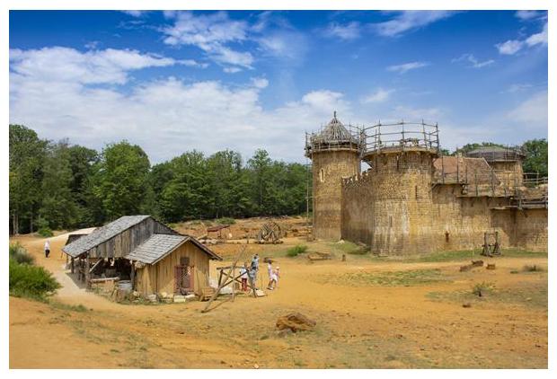 foto's, kasteel middeleeuwen, Château de Guedelon, Bourgondië, Frankrijk